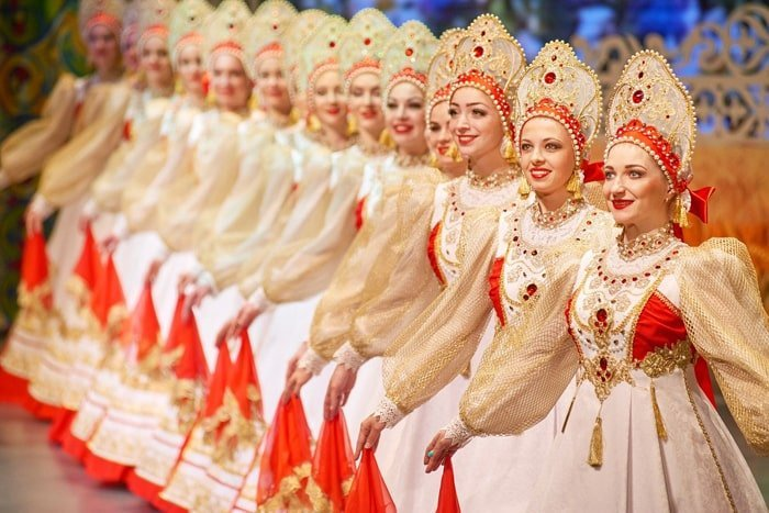 Traditional Russian dancers